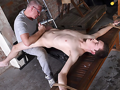 Stimulating The Jism From His Hard-on - Eli Manuel